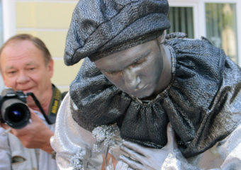 Оживляя скульптуры